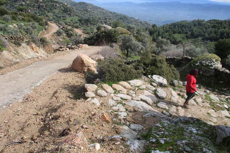 Antik Yollar : Arkeo blog u003e aydında 2300 yıllık antik yol dozerle tahrip edildi